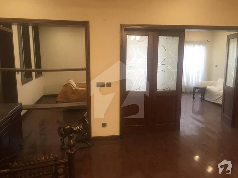 لیک سٹی ۔ سیکٹر ایم ۔ 3 لیک سٹی لاہور میں 5 کمروں کا 1 کنال مکان 1.2 لاکھ میں کرایہ پر دستیاب ہے۔