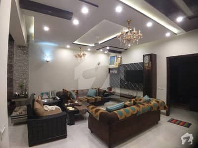 10 Marla Owner Build House With Basement Near F Block Park