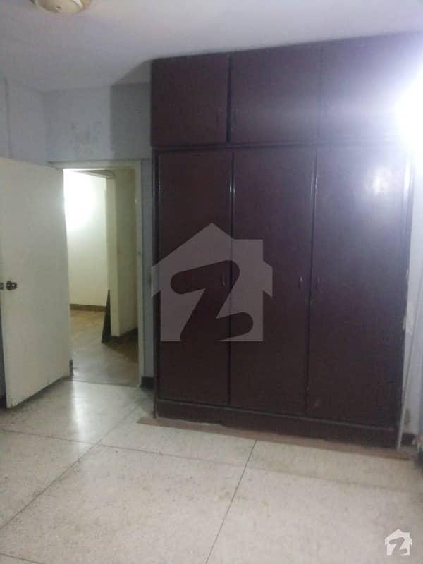 کلفٹن ۔ بلاک 2 کلفٹن کراچی میں 4 کمروں کا 9 مرلہ فلیٹ 65 ہزار میں کرایہ پر دستیاب ہے۔