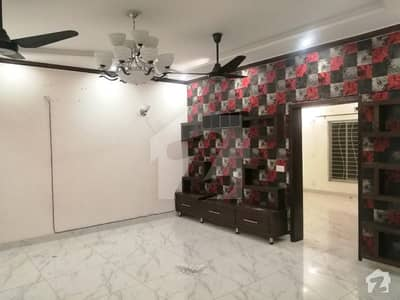 Hot Location 10 Marla Brand New Upper Portion Available For Rent In Wapda Town