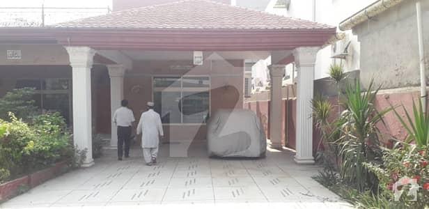 2 kanal single story fully furnished 5 bed DD TVL servant quarter big garage for rent