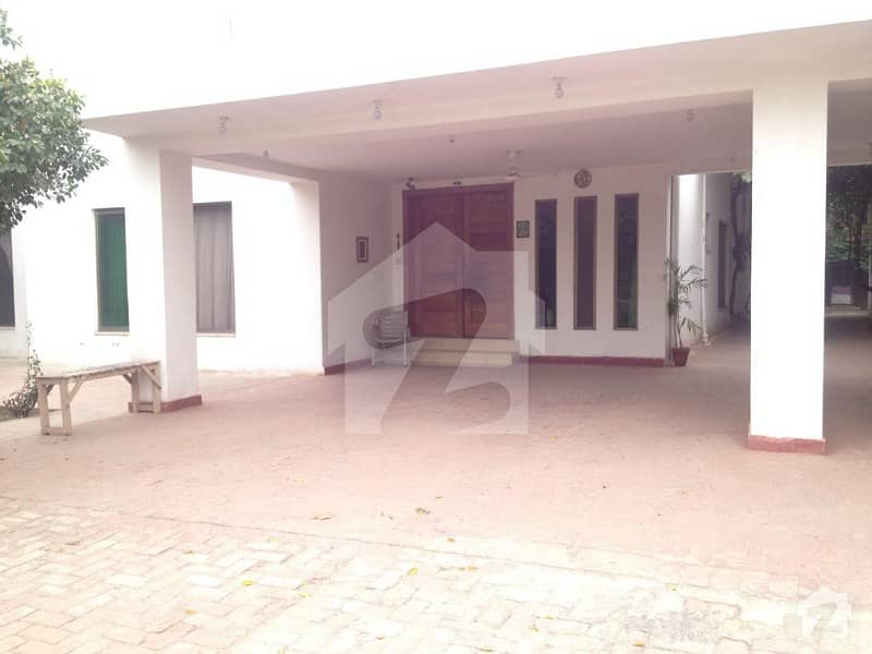 4 Kanal Farm House Available For Rent On Bedian Road