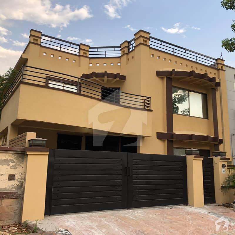 جناح گارڈنز ایف ای سی ایچ ایس اسلام آباد میں 6 کمروں کا 12 مرلہ مکان 2.15 کروڑ میں برائے فروخت۔