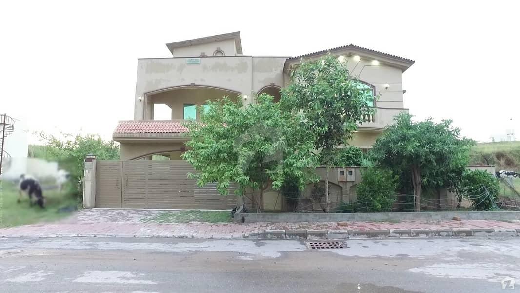 بحریہ ٹاؤن فیز 8 ۔ بلاک اے بحریہ ٹاؤن فیز 8 بحریہ ٹاؤن راولپنڈی راولپنڈی میں 6 کمروں کا 1 کنال مکان 3.05 کروڑ میں برائے فروخت۔