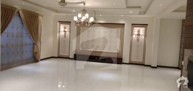ڈی ایچ اے فیز 3 ڈیفنس (ڈی ایچ اے) لاہور میں 5 کمروں کا 1 کنال مکان 1.3 لاکھ میں کرایہ پر دستیاب ہے۔