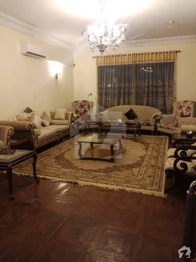 حیات آباد فیز 2 حیات آباد پشاور میں 11 کمروں کا 4 کنال مکان 21 کروڑ میں برائے فروخت۔