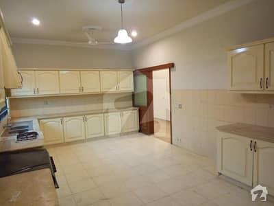 گلشنِ معمار - سیکٹر ایکس گلشنِ معمار گداپ ٹاؤن کراچی میں 3 کمروں کا 8 مرلہ مکان 30 ہزار میں کرایہ پر دستیاب ہے۔