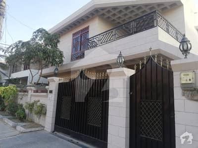 ڈی ایچ اے فیز 4 ڈی ایچ اے کراچی میں 4 کمروں کا 12 مرلہ مکان 6.7 کروڑ میں برائے فروخت۔