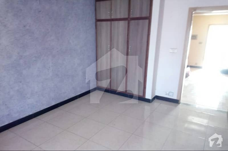 3 Bed Apartment Available For Rent