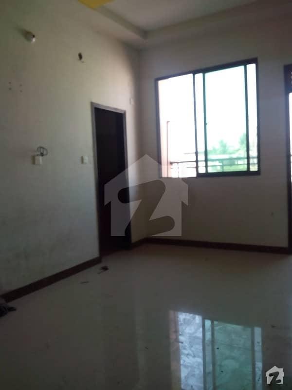 کلفٹن ۔ بلاک 8 کلفٹن کراچی میں 2 کمروں کا 5 مرلہ فلیٹ 2.2 کروڑ میں برائے فروخت۔