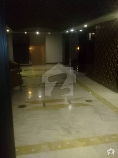 Cantt Mall Of Lahore - Apartment For Rent