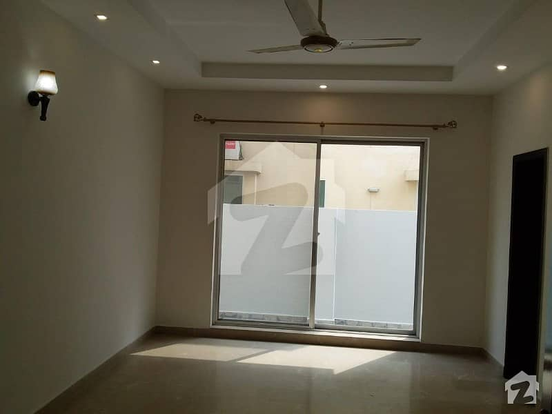 2 KANAL DOUBLE STORY HOUSE AVALABLE WITH GAS