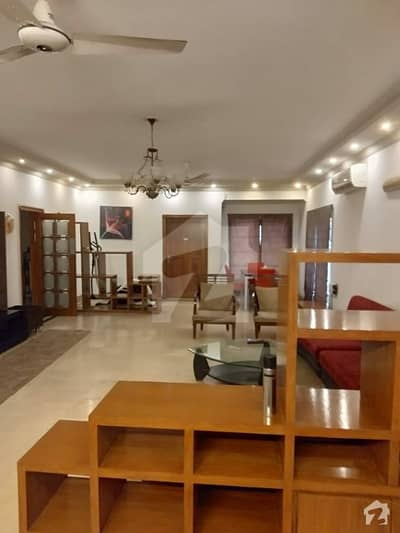 F11 Karakoram Enclave 4 Beds Beautiful Apartment Available For Sale