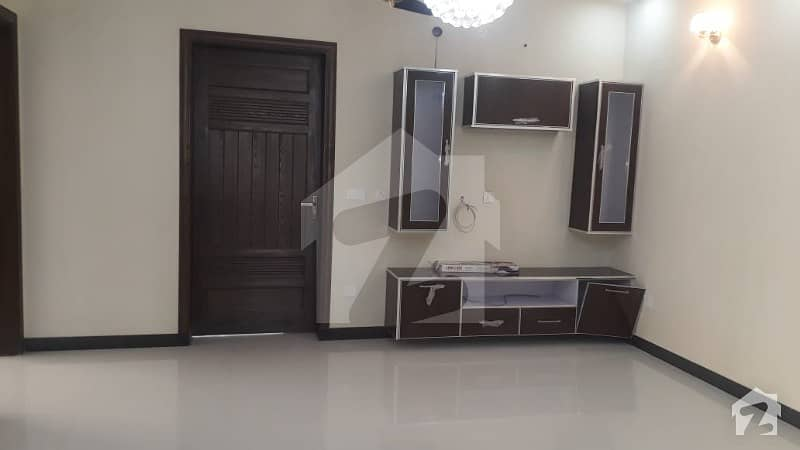 10 Marla Beautiful Brand New With Basement House For Rent