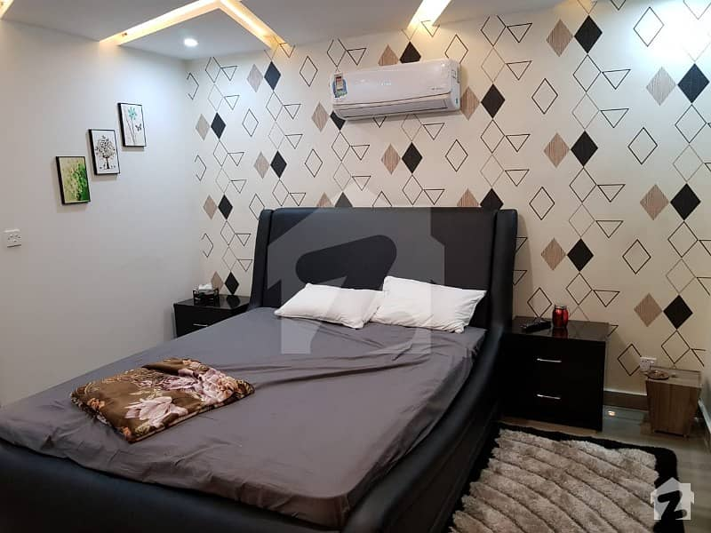 1 BED BRAND NEW LUXURY FURNISH FLAT FOR SALE IN BAHRIA TOWN LAHORE