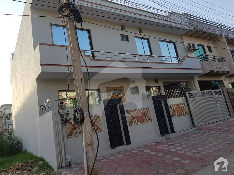 مارگلہ ٹاؤن اسلام آباد میں 5 کمروں کا 8 مرلہ مکان 2.95 کروڑ میں برائے فروخت۔