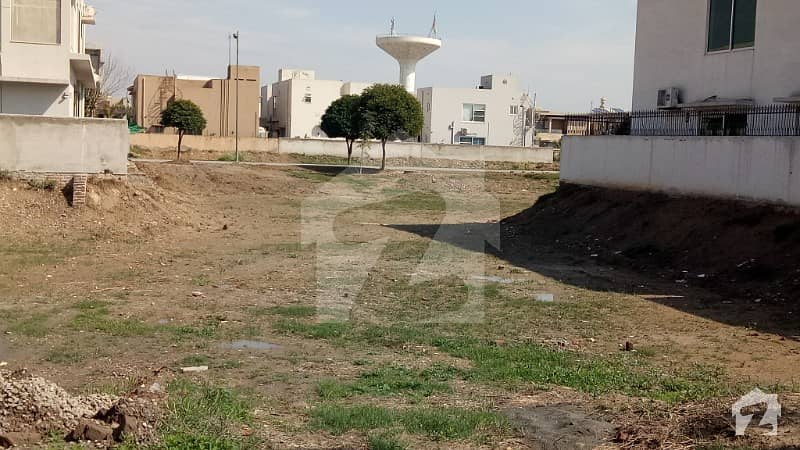 1 Kanal Plot For Sale Block M Near By New Houses