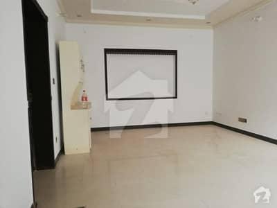 ڈی ایچ اے فیز 8 - بلاک سی ڈی ایچ اے فیز 8 ڈیفنس (ڈی ایچ اے) لاہور میں 2 کمروں کا 10 مرلہ بالائی پورشن 35 ہزار میں کرایہ پر دستیاب ہے۔
