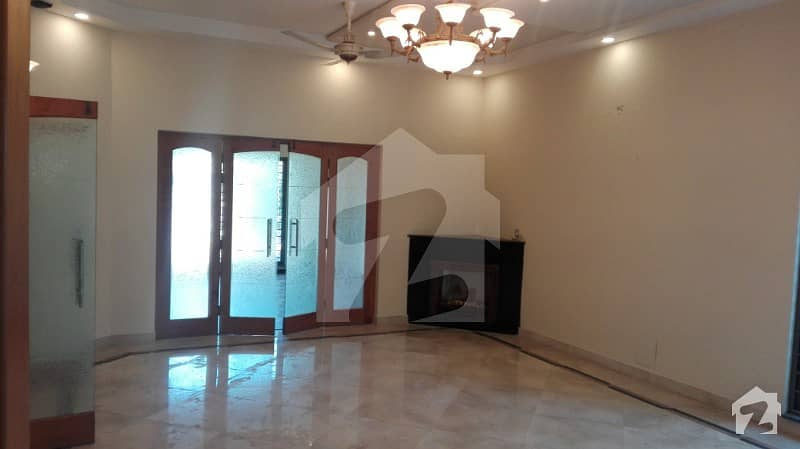 ONE KANAL out class  HOUSE For Rent IN DHA PHASE 4