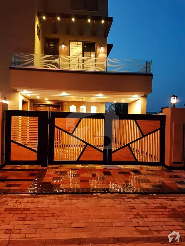 10 Marla Brand New Luxury House For Rent Ideal Location With Gas For Rent In Bahria Town Lahore