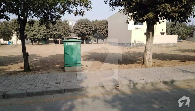 10 Marla Janiper Block Near Grand Masjid Park And School Ideal Location Plot In Bahria Town Lahore