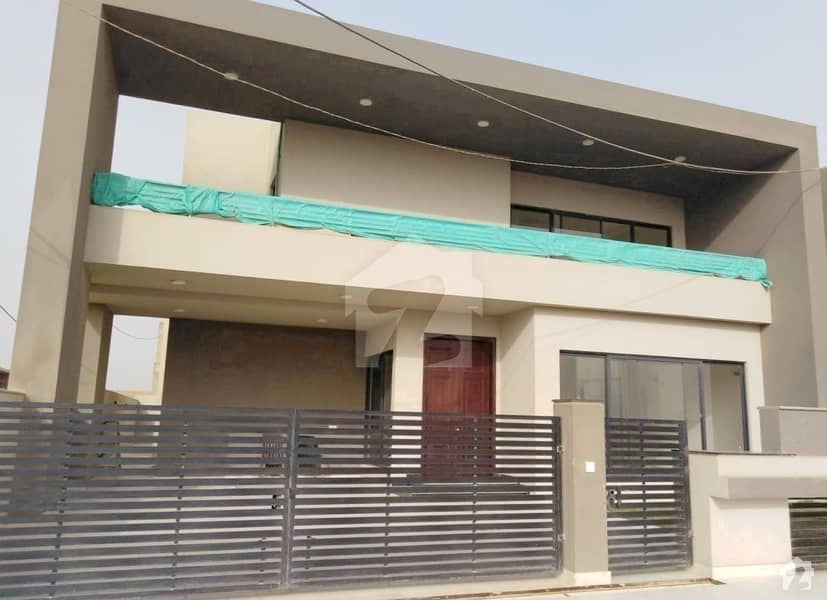 بحریہ ہومز ۔ اقبال ولاز بحریہ ٹاؤن - پریسنٹ 2 بحریہ ٹاؤن کراچی کراچی میں 5 کمروں کا 1 کنال مکان 2.52 کروڑ میں برائے فروخت۔