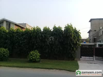 House Is Available For Sale On Upper Mall Lahore