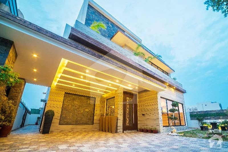 LIFE TIME OPPORTUNITY 1 Kanal 5 Beds Cottage Available For Sale In Bahria Town