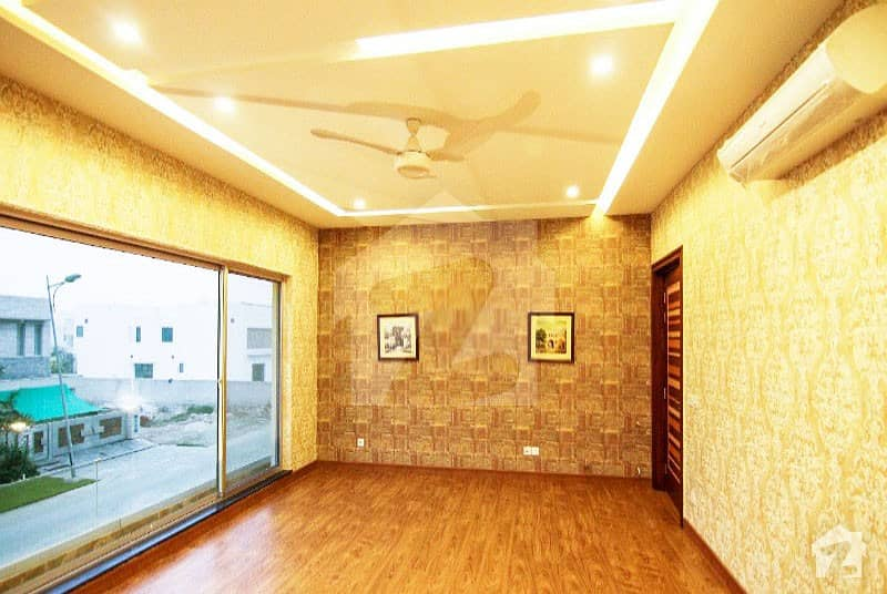 EXTRA ORDINARY 1 Kanal 5 Beds Cottage Available For Sale In Bahria Town