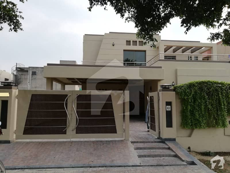 1 Kanal Excellent Hot Location House  For Rent In Dha Phase 5