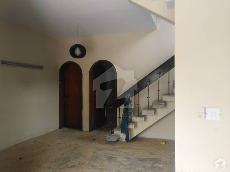15 Marla Upper Portion Is Available For Rent