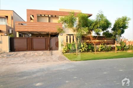 Leads Presenting Kanal Elegant Design Bungalow For Sale In Phase 6