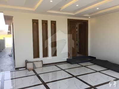 بحریہ ٹاؤن فیز 8 ۔ بلاک اے بحریہ ٹاؤن فیز 8 بحریہ ٹاؤن راولپنڈی راولپنڈی میں 6 کمروں کا 1.05 کنال مکان 4.25 کروڑ میں برائے فروخت۔