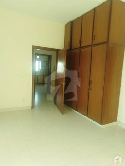 Dha Defence One Kanal Upper Portion For Rent In Dha Lahore