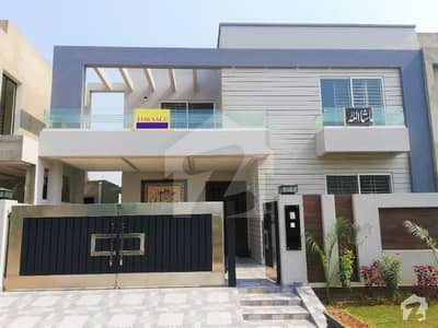 Leads Presenting 10 Marla Prime Location Bungalow For Sale