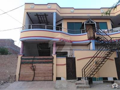 رفیع قمر روڈ بہاولپور میں 2 کمروں کا 5 مرلہ بالائی پورشن 16 ہزار میں کرایہ پر دستیاب ہے۔