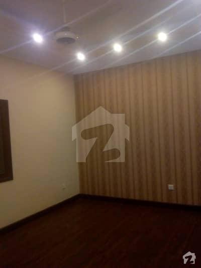 Flat for rent . Karachi Admn block 7