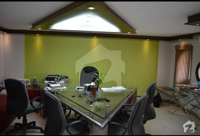 Fully Furnished Office Soace Sale