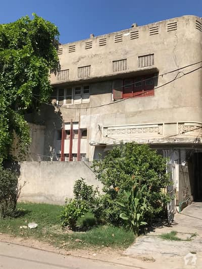 12 Marla Double Story Old House  For Sale