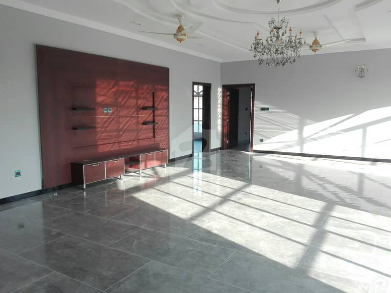 بحریہ ٹاؤن فیز 3 بحریہ ٹاؤن راولپنڈی راولپنڈی میں 7 کمروں کا 1 کنال مکان 6 کروڑ میں برائے فروخت۔
