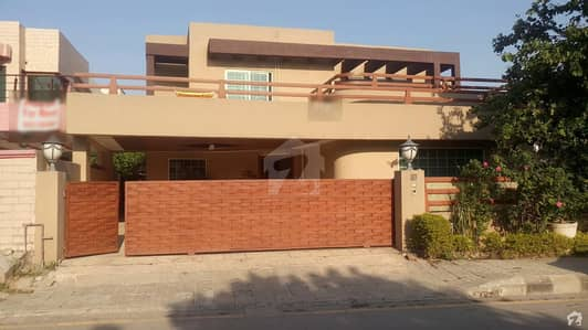 Double Unit House Is Available For Sale On Main Service Road