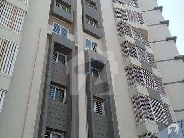 کلفٹن ۔ بلاک 2 کلفٹن کراچی میں 3 کمروں کا 9 مرلہ فلیٹ 3.4 کروڑ میں برائے فروخت۔