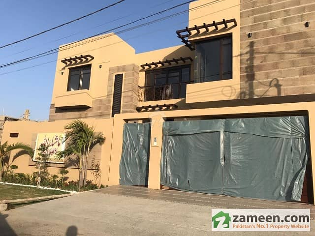 500 Sq Yards Purly Architecture Built Bungalow For Sale