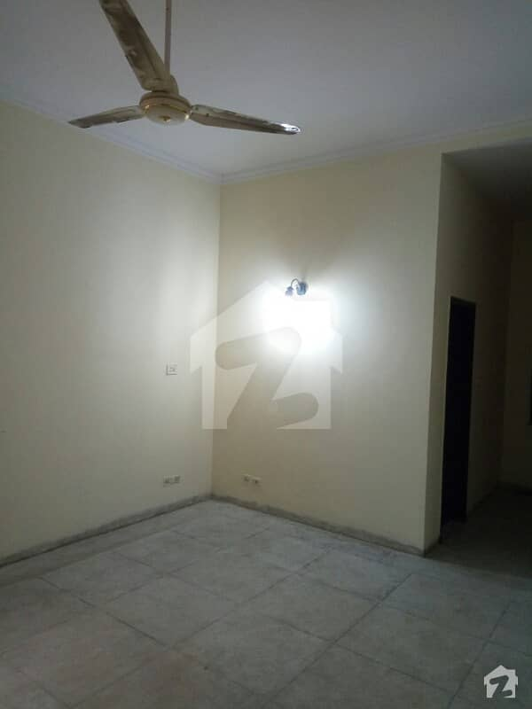 1 kanal Single Storey House For Sell in Pia Society