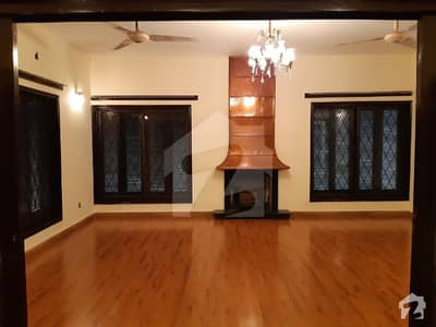 One Kanal Independent Full House For Rent In DHA Lahore