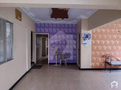 گلستانِِ جوہر ۔ بلاک 17 گلستانِ جوہر کراچی میں 4 کمروں کا 5 مرلہ فلیٹ 1.35 کروڑ میں برائے فروخت۔