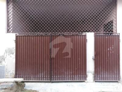 شاداب کالونی بہاولپور میں 2 کمروں کا 6 مرلہ مکان 17 ہزار میں کرایہ پر دستیاب ہے۔