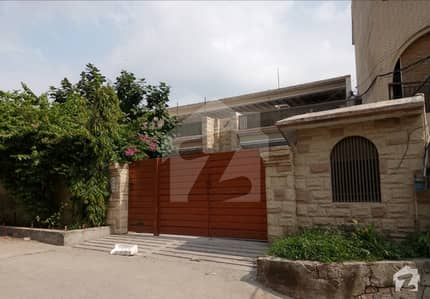 26 Marla Semi Commercial House 6 Beds Back Of Main