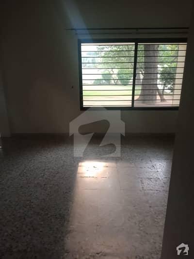 جی ۔ 6/4 جی ۔ 6 اسلام آباد میں 4 کمروں کا 2 کنال مکان 3.15 لاکھ میں کرایہ پر دستیاب ہے۔