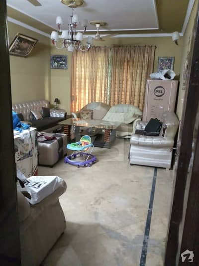 iqbal town at main road 6.5 marla house for rent. commerical